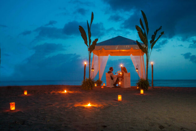 private beach dinner-jade mountain st. lucia