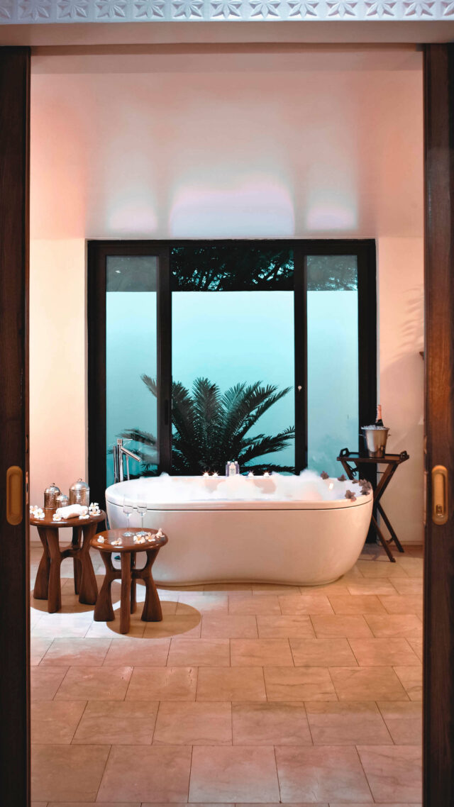 freestanding bathtub-the residence zanzibar