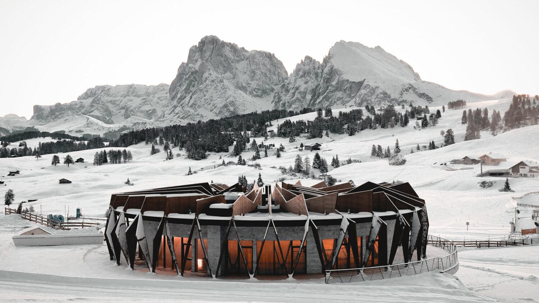 alpina-dolomites-lodge-front-view
