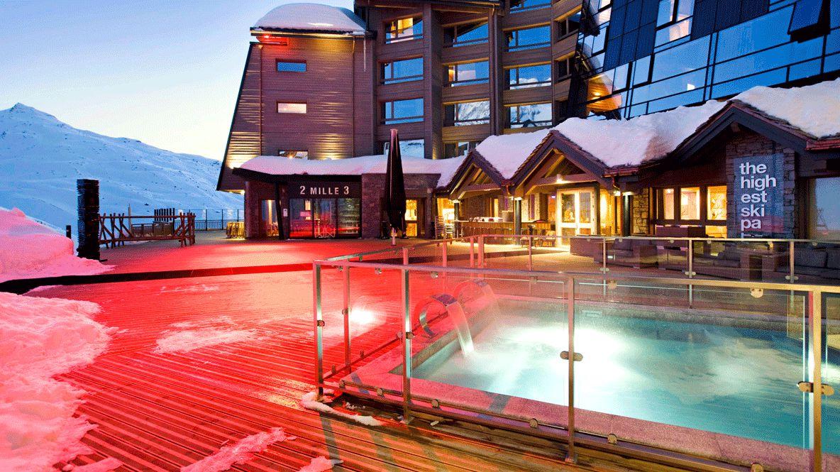 heated outdoor pool-altapura val thorens