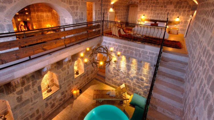 bedroom with pool-argos in cappadocia turkey