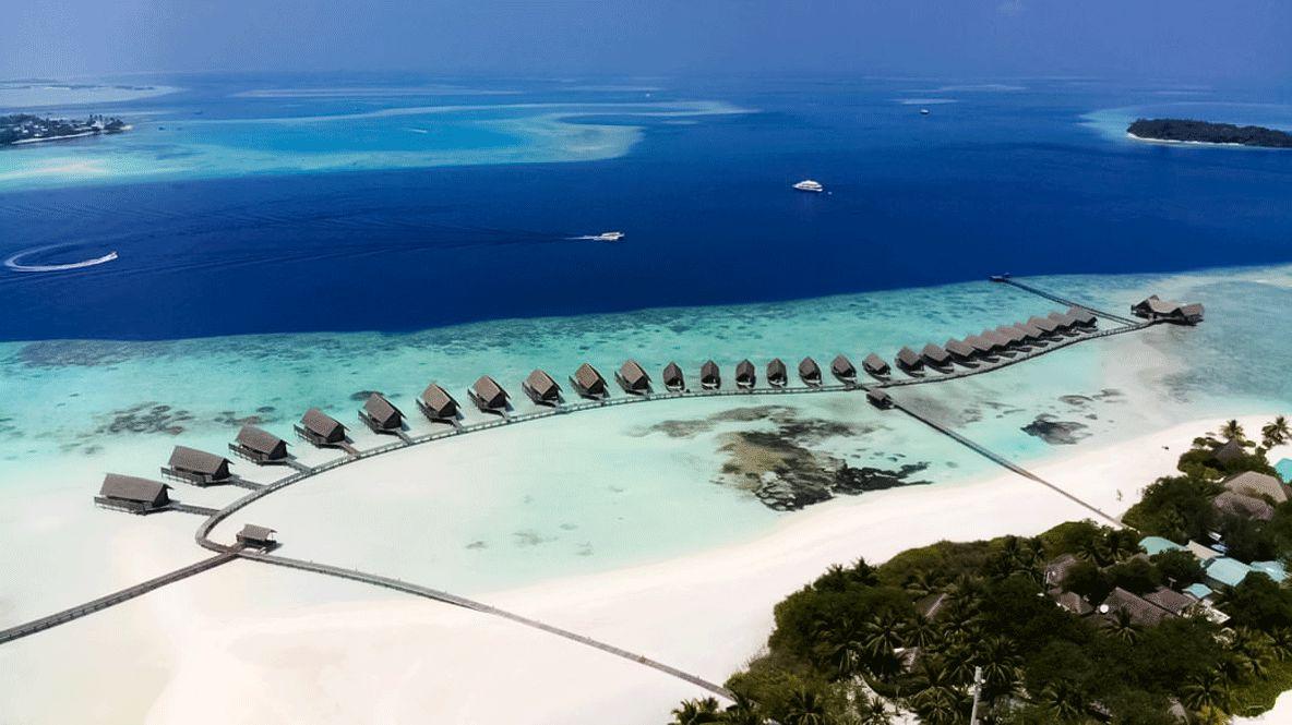 drone picture hotel-como cocoa island maldives