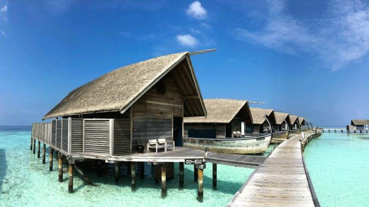como-cocoa-island-maldives-overwater-villa