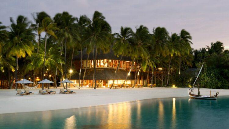 hotels in heaven conrad maldives rangali location accommodation beach sand palm trees lights house loungers sun shades