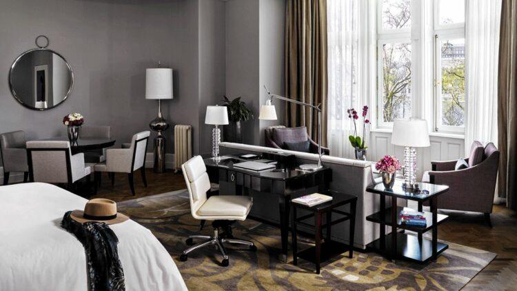 bedroom suite-four seasons hotel gresham palace budapest