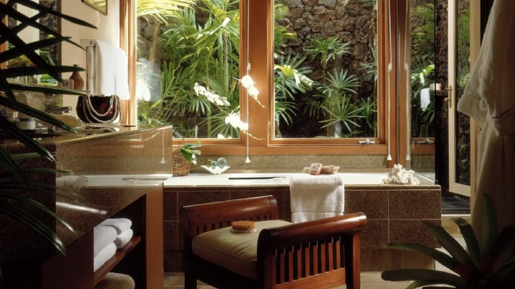 four-seasons-resort-hualalai-bathroom