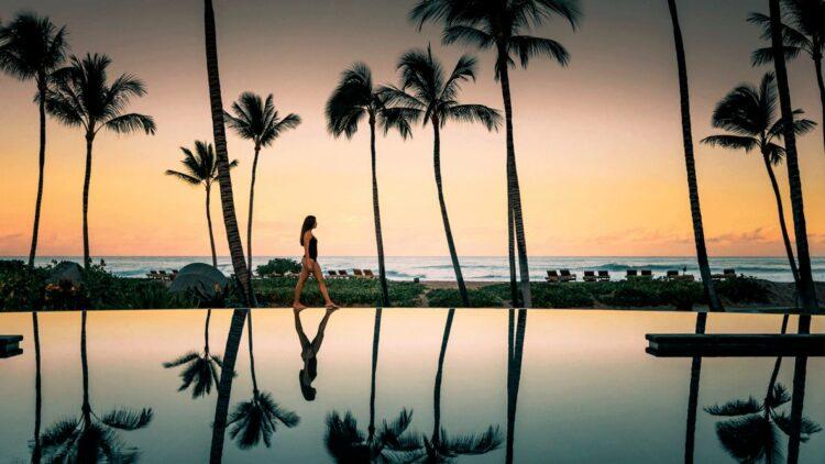 infinity pool sunset-four seasons resort hualalai hawaii