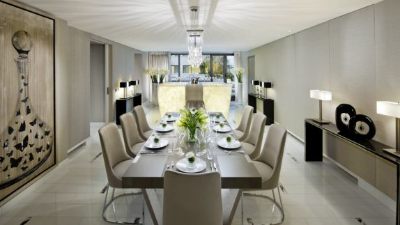 hotels in heaven mandarin oriental paris suite mandarin royale suite table chair luxury modern white beige lamp