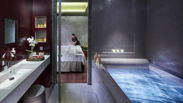 spa bathtub-mandarin oriental paris