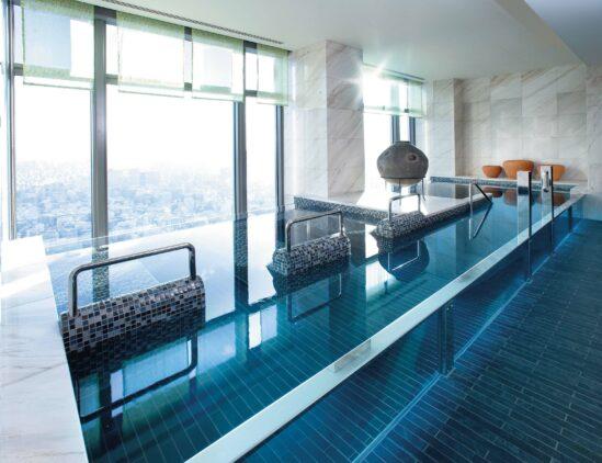 pool view-mandarin oriental japan tokyo