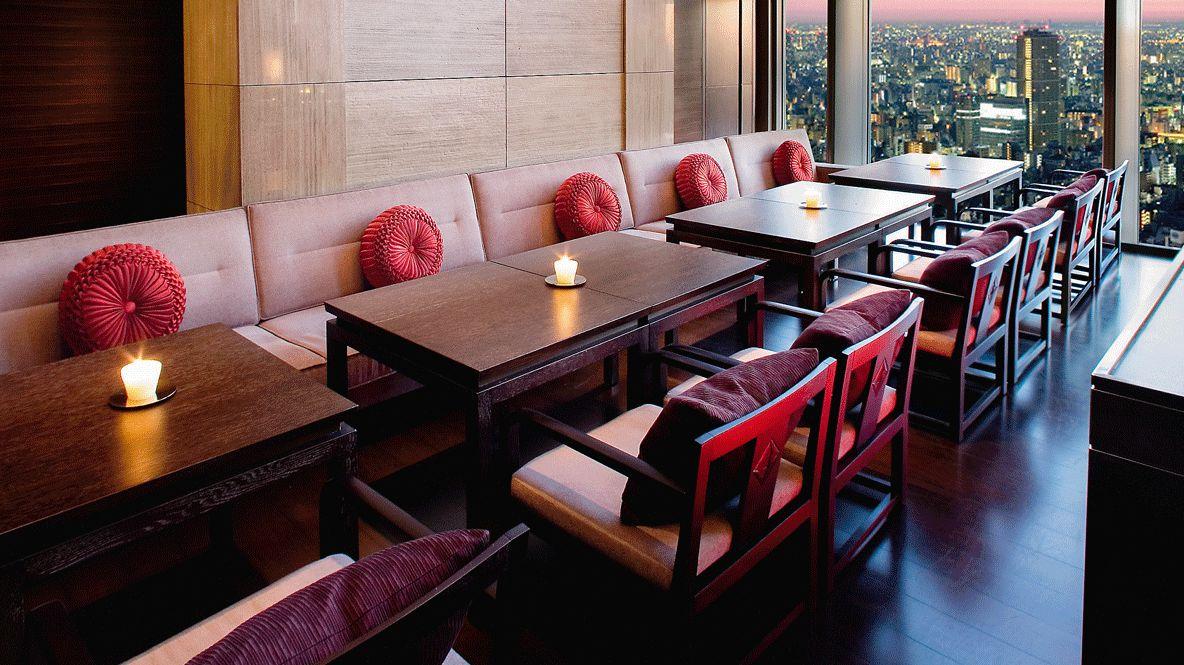 hotels in heaven mandarin oriental tokyo restaurant sense tea corner culinary red little cushions table wooden chairs seat cushion