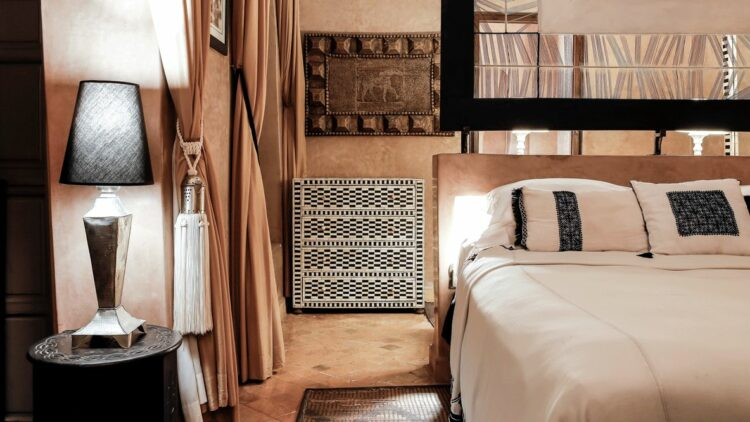 bedroom suite-riad noir d'ivoire marrakech