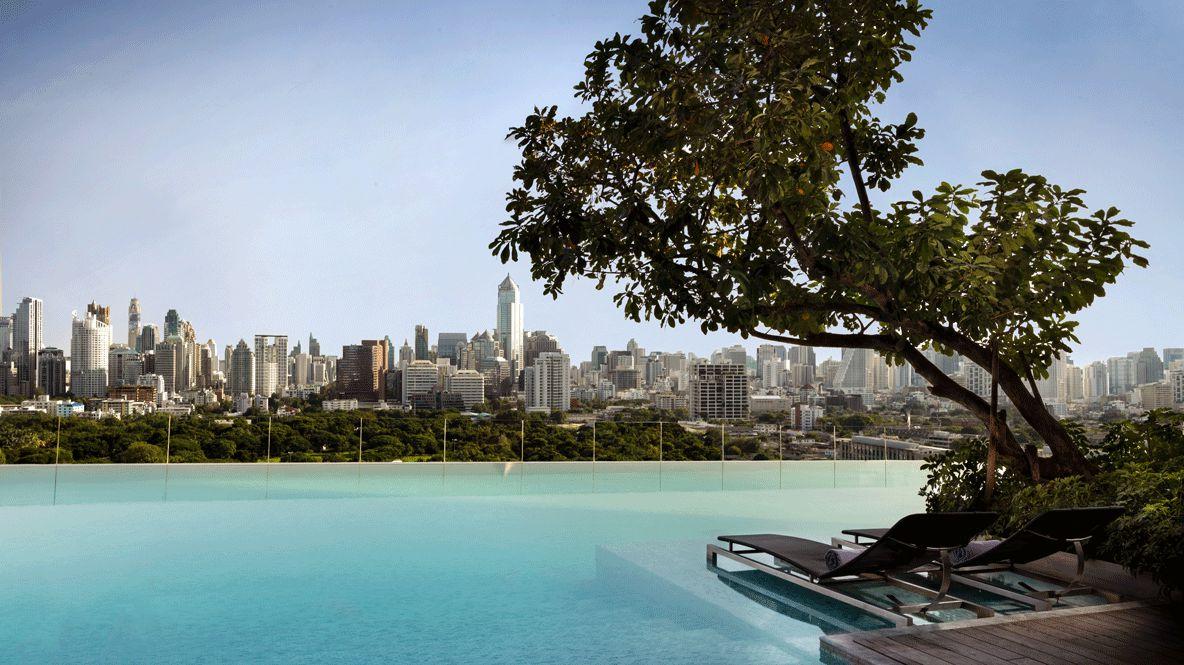 infinity pool city view-sofitel bangkok