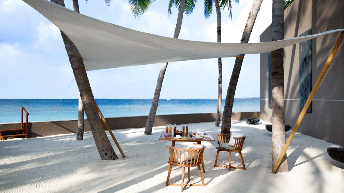 beach location-cheval blanc randheli maldives