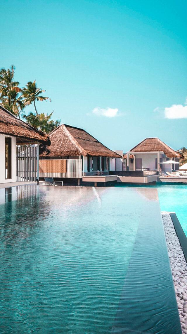 infinity pool view-cheval blanc randheli maldives