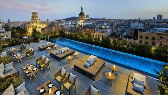 hotels in heaven mandarin oriental barcelona view terasse culinary pool sofas lounging area city view pillows chairs