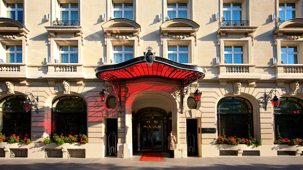 hotels in heaven Royal Monceau Raffles Paris Façade house wall front outdoor location entry logo windows red carpet