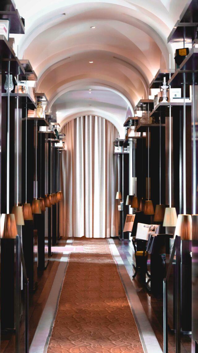 hallway hotel-le royal monceau raffles paris
