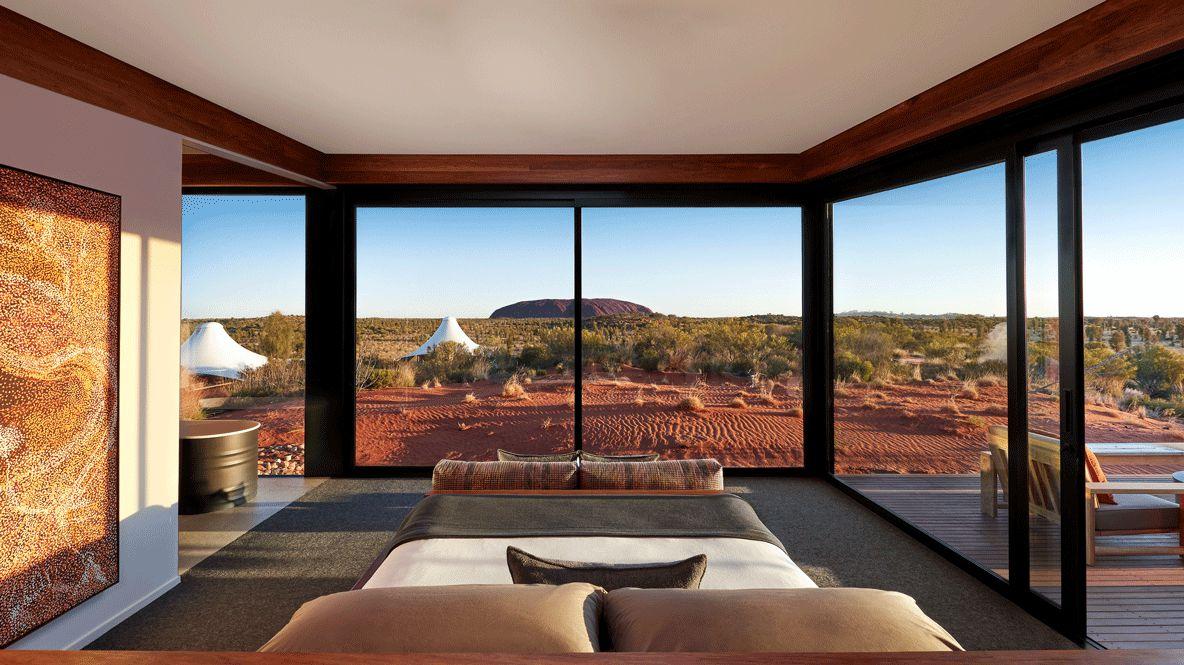 bedroom view ayers rock-longitude 131° australia