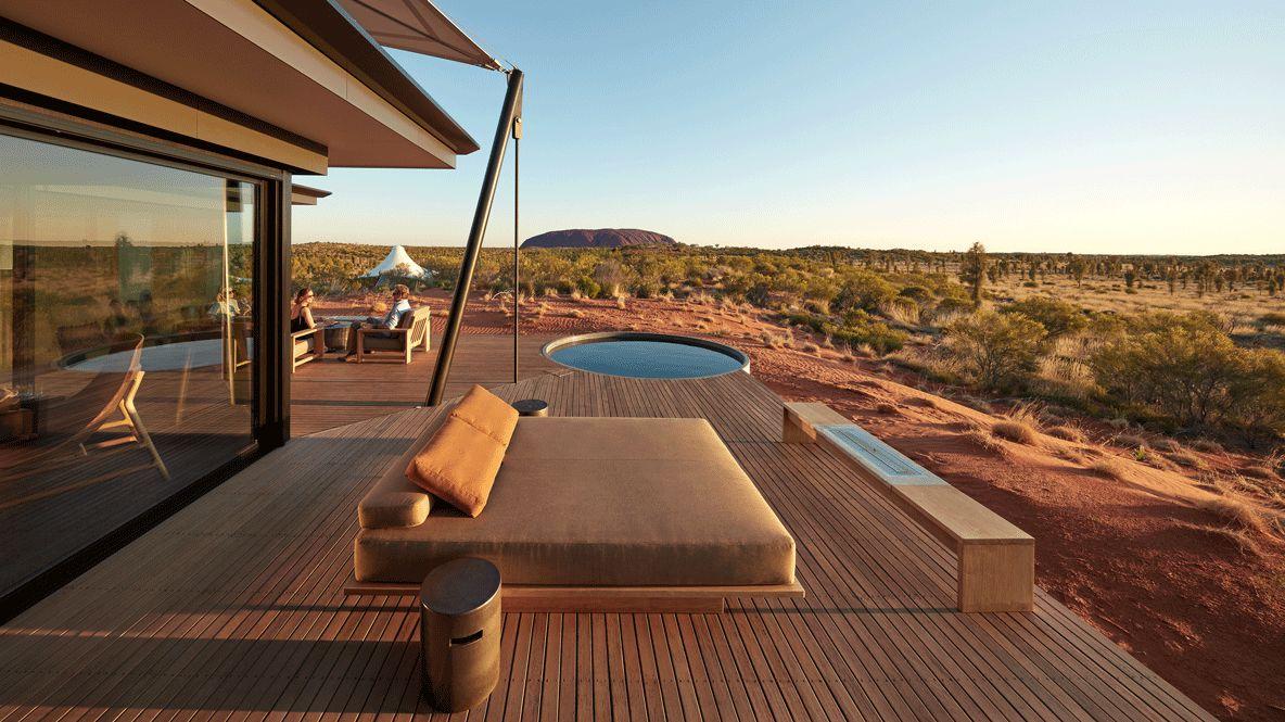 pool ayers rock hotel-longitude 131° australia