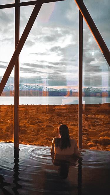 spa pool mountain view-tierra patagonia chile