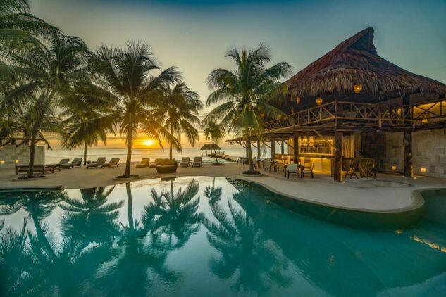 ocean pool view-viceroy riviera maya mexico