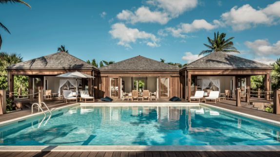 Hi 055026 96647557 The Residence Guest Villa Exterior pool sund clouds blue sky cloud palm tree pillow sunshade deckchair luxury
