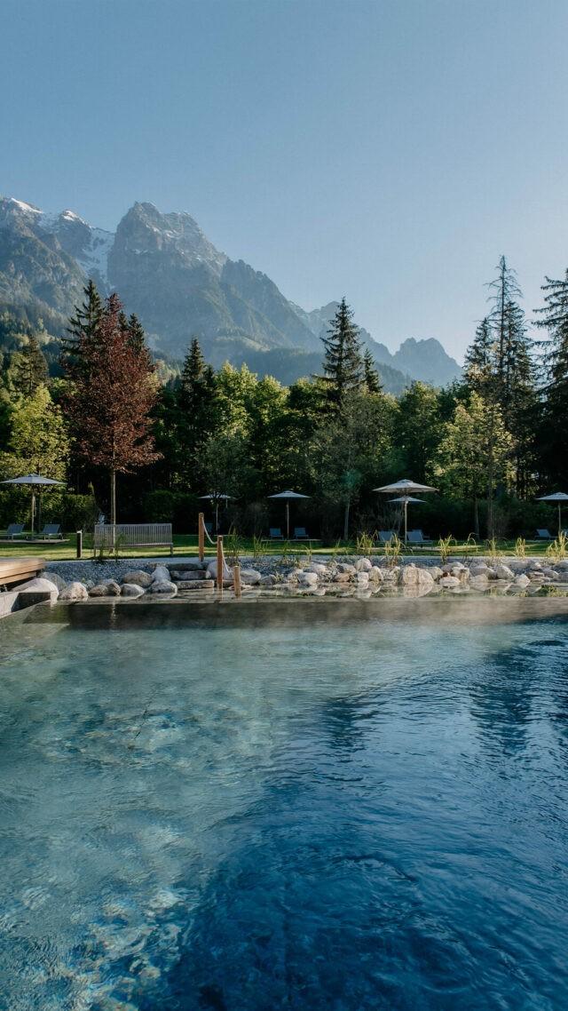 Naturhotel-Forsthofgut_Swimming_pool_mobile