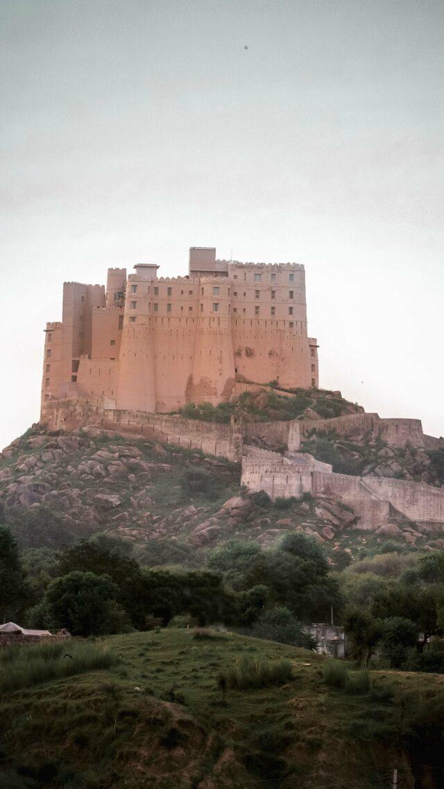 hotel castle-alila fort bishangarh india