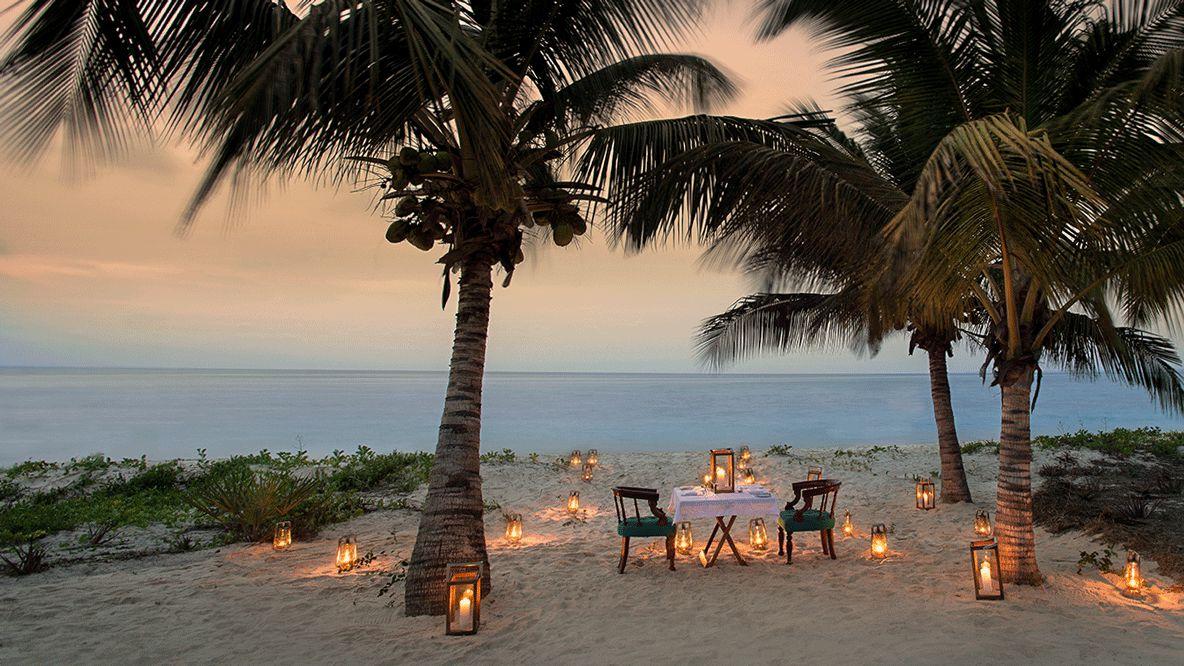 andbeyond-benguerra-island-mozambique-beach-picnic