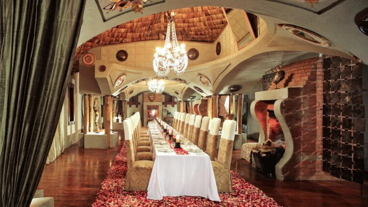 huge dining table-andbeyond ngorongoro crater lodge tanzania