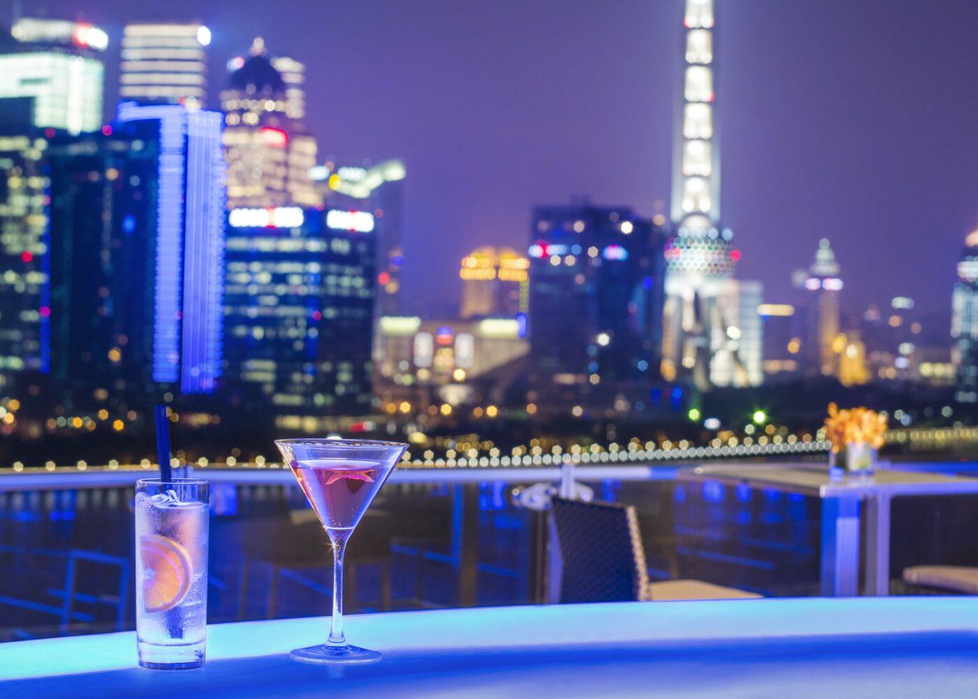 rooftop bar-banyan tree shanghai on the bund