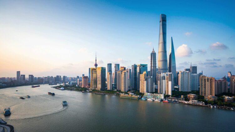 banyan-tree-shanghai-on-the-bund-skyline-view