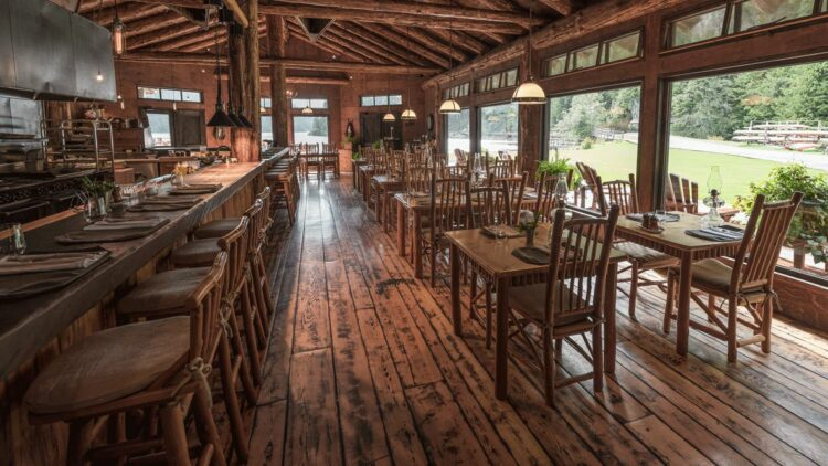 clayoquot-wilderness-resort-canada-cookhouse