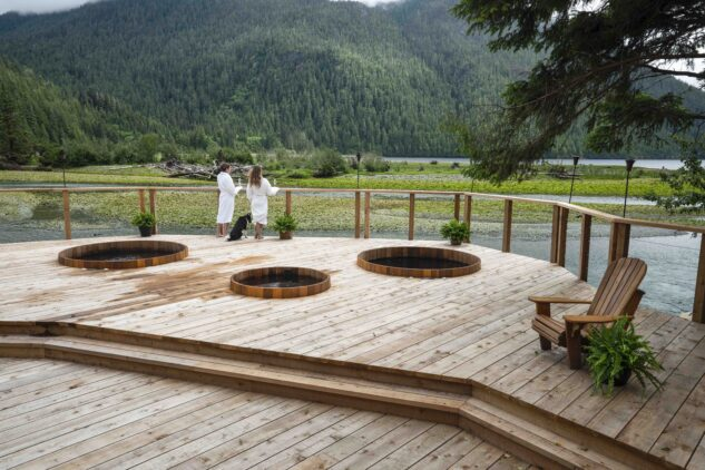 hot tubs-clayoquot wilderness resort canada