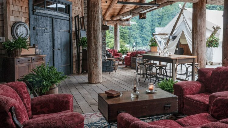 clayoquot-wilderness-resort-canada-outdoor-lounge