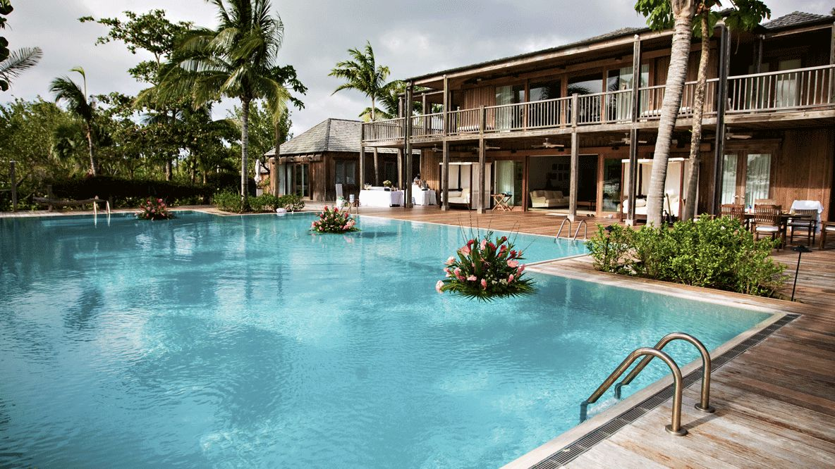 como parrot cay-accommodation