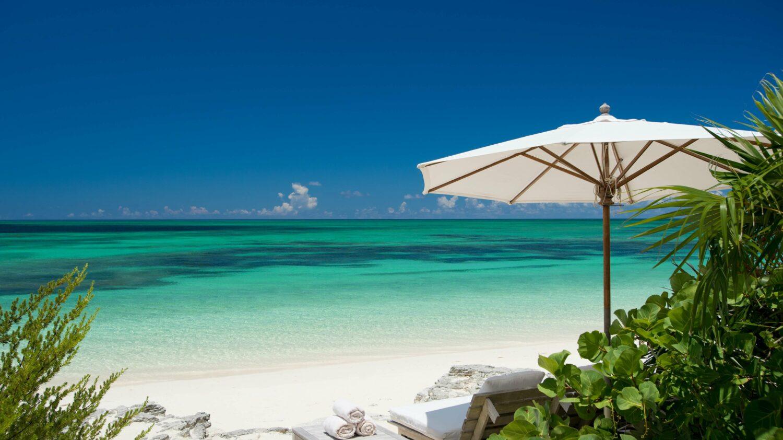 private beach-como parrot cay