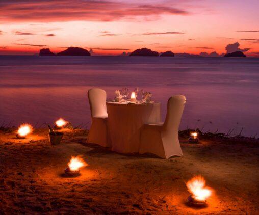 romantic private dinner-conrad koh samui thailand