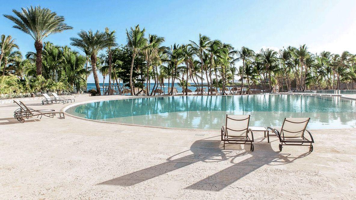 pool area palm trees-eden roc cap cana dominican republic