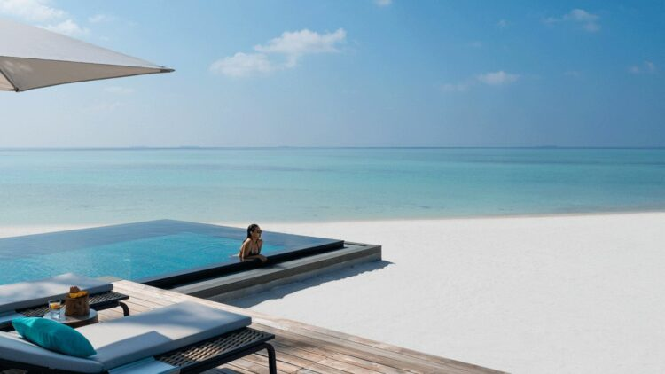 private plunge pool-four seasons private island at voavah