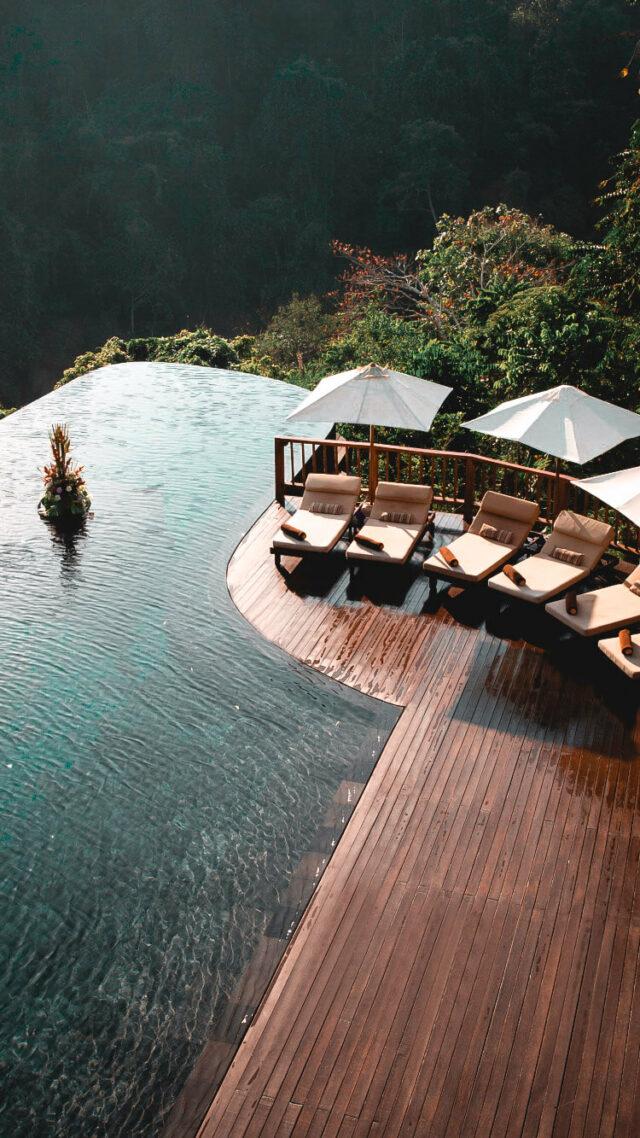 infinity pool jungle-hanging garden of bali