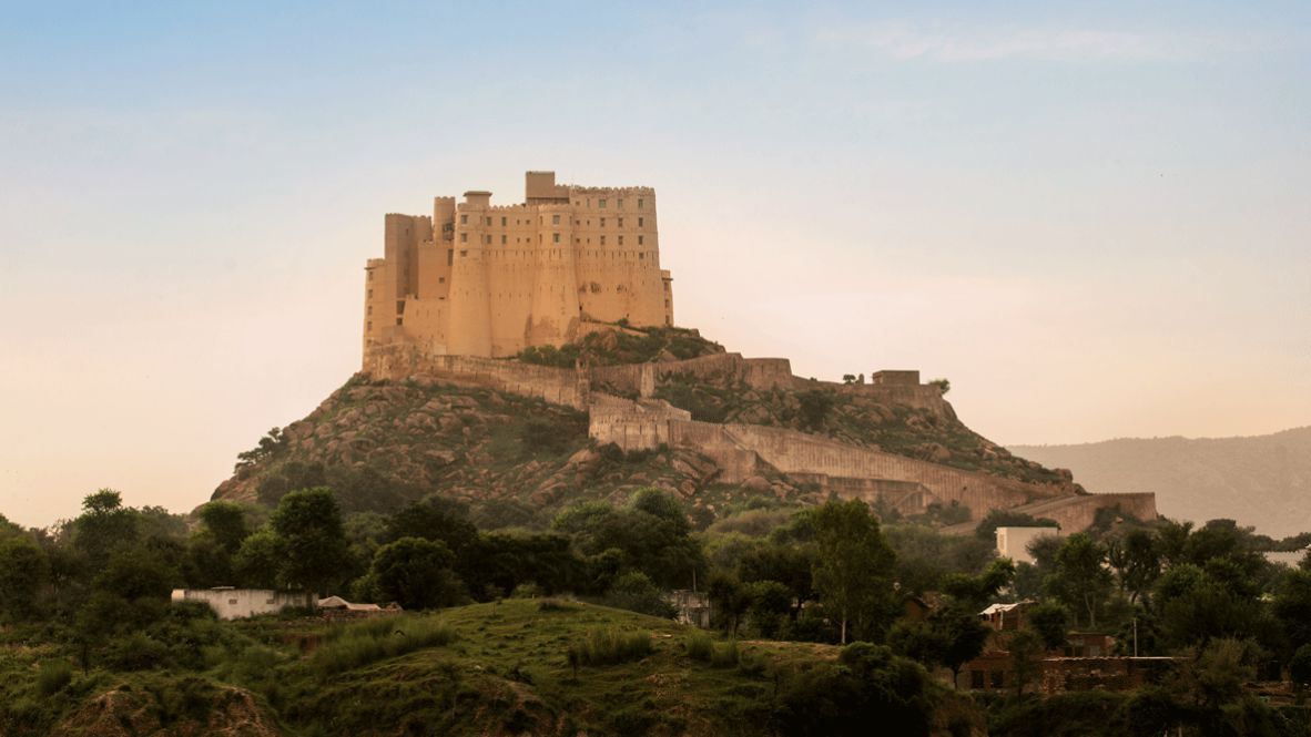 hotels in heaven Alila Fort Bishangarh accommodation location view castle forest luxury sky environment