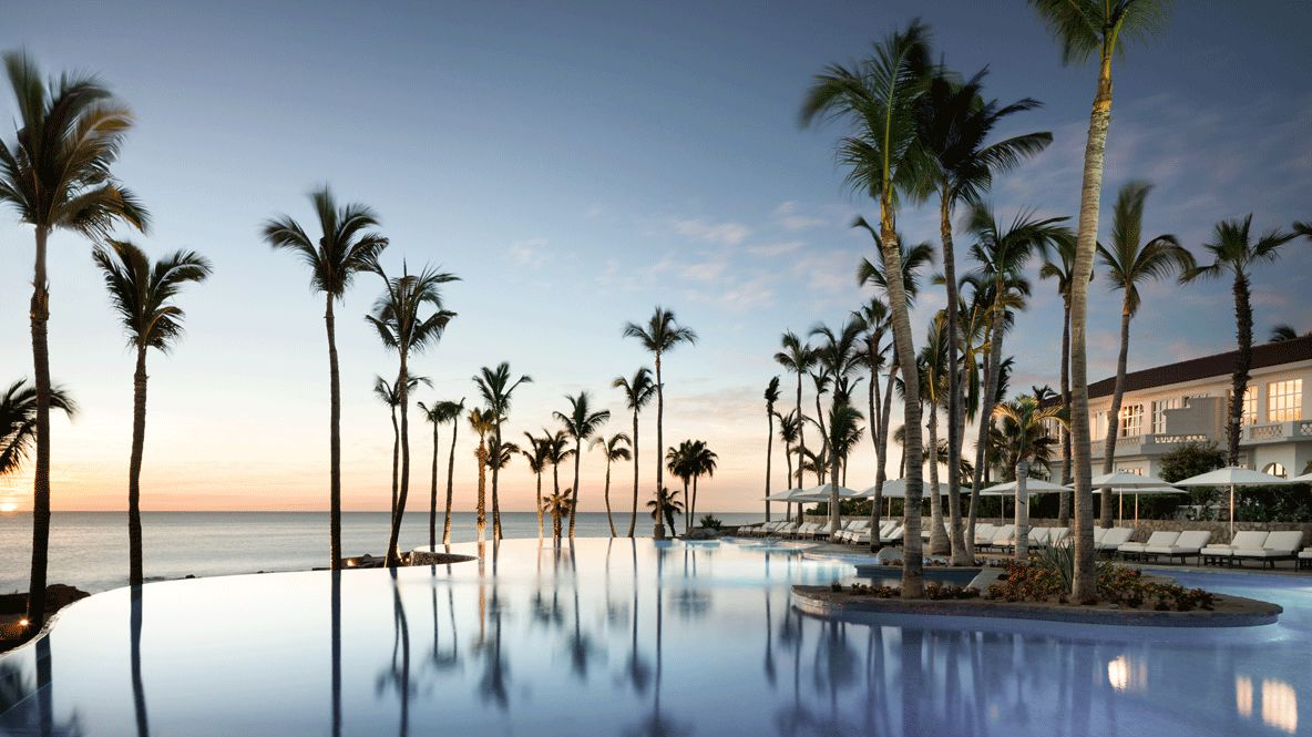 hotels in heaven one and only palmilla pool ocean view palmtrees beach luxury hotel water sunset sea colors view summer holiday
