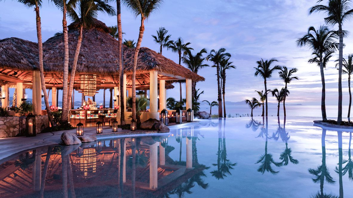 hotels in heaven one and only palmilla pool oceanview bar culinary sunset palmtrees house blue viewpoint infinity pool luxury hotel lights romantic