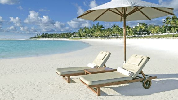 hotels in heaven residence mauritius beach ocean private deckchair towel beach white sand luxury sunshade blue water