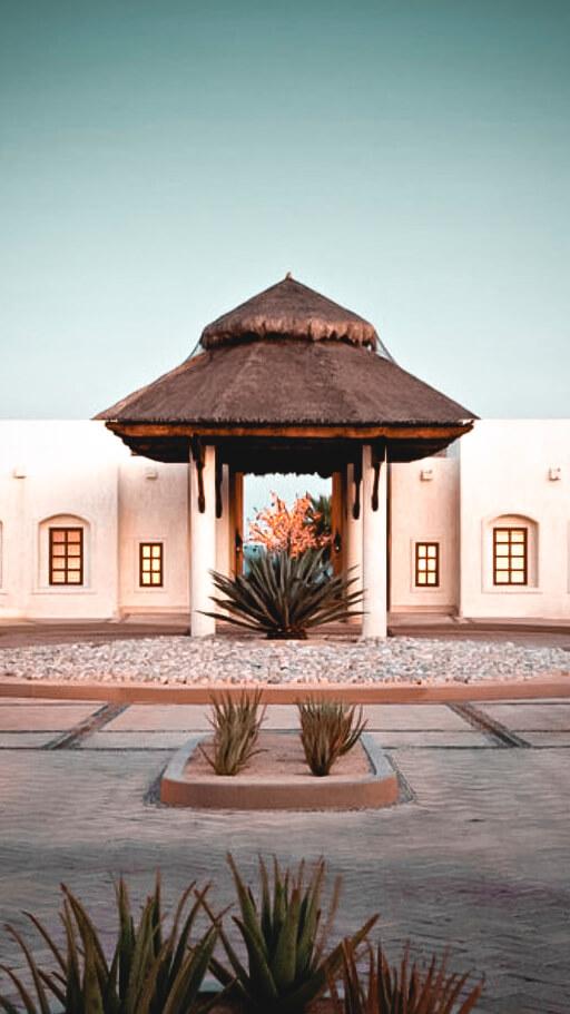 driveway entrance hotel-las ventanas al paraiso mexico