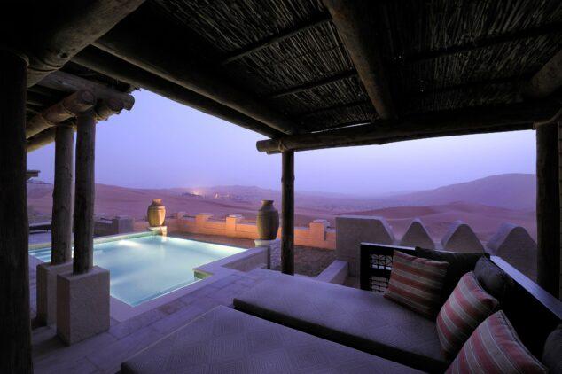 pool villa-qasr al sarab uae