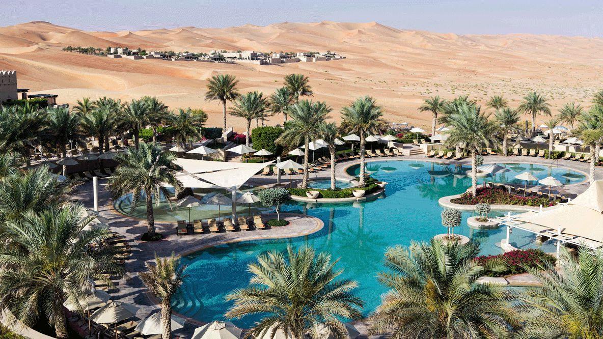pool area-qasr al sarab uae
