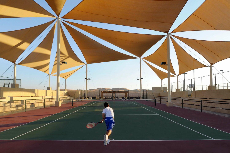 tennis court desert-qasr al sarab uae